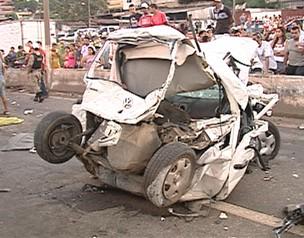 Carros e caminhões se envolveram em acidente no Anel Rodoviário de BH