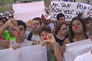 MANIFESTAÇÃO 12 ANOS DE METRÔ (Foto: Reprodução TV Bahia)