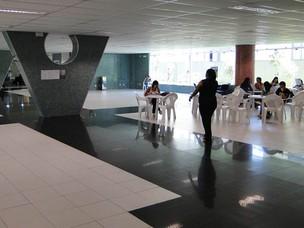 Ambiente de convivência do Colégio Bernoulli, em Belo Horizonte (Foto: Pedro Triginelli/G1)