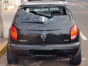 Indignados, populares depredaram o veículos do suspeito, diz polícia (Foto: Tawany Marry/ G1 MS)