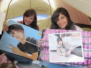 Fãs vão aguardar na fila até sábado para o show do cantor Justin Bieber (Foto: Clara Velasco/G1)