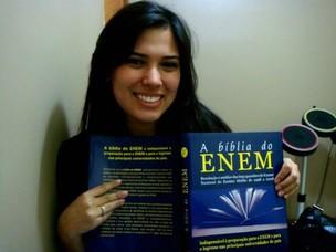 Mariah Fernandes se prepara para a prova do Enem; a estudante quer cursar Medicina (Foto: Arquivo Pessoal)
