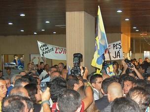 Multidão foi acompanhar diplomação do ex-governador Cássio Cunha Lima (Foto: Maurício Melo/G1 PB)
