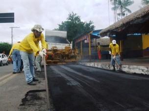 Obras de recapeamento de ruas em Parintins está com prazo vencido. (Foto: Divulgação/Prefeitura de Parintins)