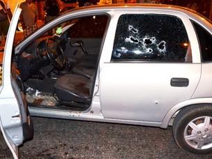 Polícial é executado a tiros em bairro de João Pessoa (Foto: Walter Paparazzo/G1 PB)