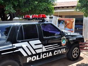 Vigilância Sanitária suspendeu serviços de estética do estabelecimento (Foto: Tatiane Queiroz/ G1 MS)