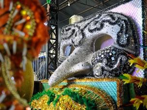 Máscaras que estarão no desfile da Águia de Ouro em São Paulo (Foto: Raul Zito/G1)