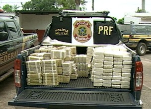 Police in Miranda, 203 km (126 miles) from Campo Grande, arrest three and seize over 500 kg purge cocaine