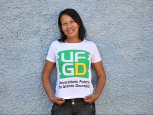 Ex gari é aprovada em vestibular de universidade em MS (Foto: Felipe Bastos / G1MS)