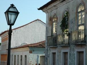 Lampiões antigos completam a história de São Luís (Foto: Biné Morais/O Estado)