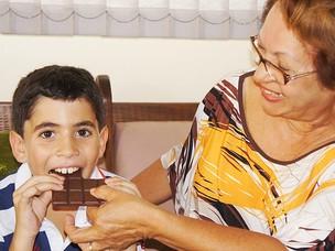 Kevin não pode comer chocolate (Foto: Inaê Teles/G1 PB)