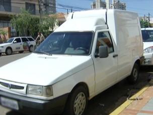 Suspeito de atropelar  matar motociclista apresenta-se à polícia (Foto: Reprodução/TV Morena)