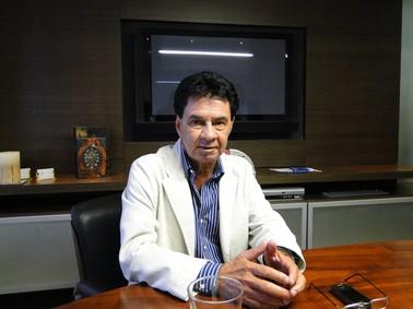 Gêra Ornelas concedeu entrevista nesta segunda-feira (24) no escritório do advogado dele (Foto: Fernanda Brescia/G1)