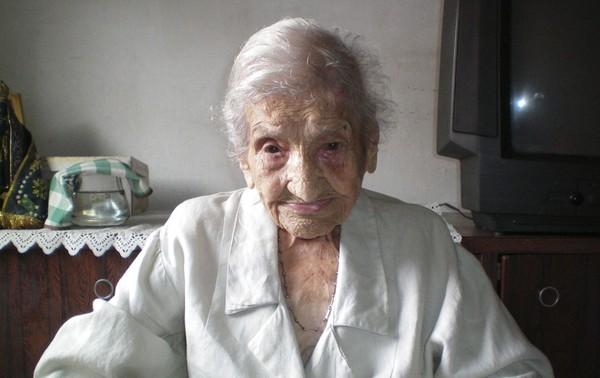 * Mulher reconhecida como a pessoa mais velha do mundo morre em MG.