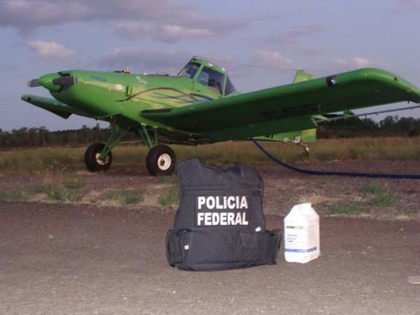 Avião com agrotóxicos (Foto: Polícia Federal/Divulgação)