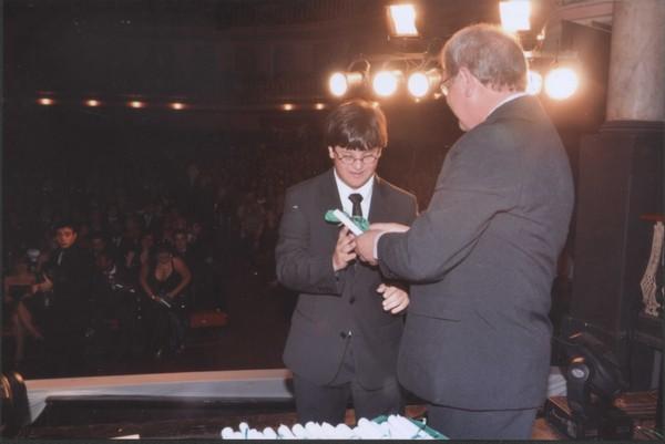 Gabriel se formou no ensino médio e entrou na faculdade de teatro neste ano (Foto: Arquivo Pessoal)