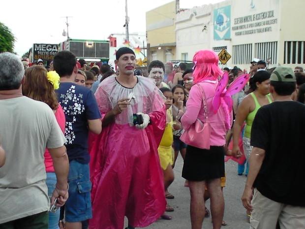"""[Colaborativo](4652)O maior bloco Carnavalesco do Rn - A """"soma dá mais de 300"""" . Toda segunda-feira de carnaval.-4 (Foto: Jackson Fernandes / VC no Carnaval)"""