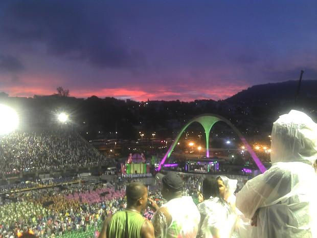 [Colaborativo](4720)O Rio amanhecendo ao som de Mangueira...-0 (Foto: Karolline Pereira Maia / VC no Carnaval)
