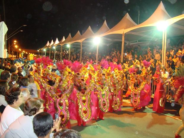 [Colaborativo](5525)DESFILES DAS ESCOLAS DE SAMBA DO GRUPO ESPECIAL DE SÃO JOSÉ DOS CAMPOS-SP-1 (Foto: Hélio Andrade dos Santos / VC no Carnaval)