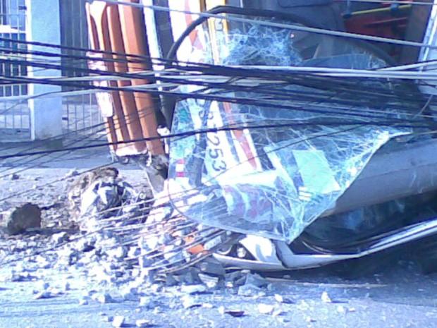 [Colaborativo](11793)acidente em pedra de guaratiba-1 (Foto: Douglas Silva de Carvalho / VC no G1)
