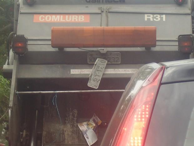[Colaborativo](15271)Qual das duas placas são a verdadeira-1 (Foto: Abraão Gomes / VC no G1)