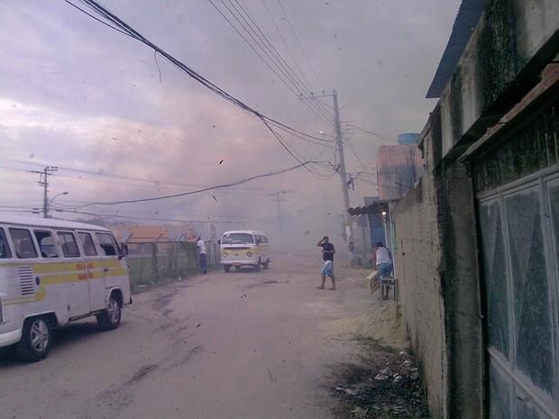 [Colaborativo](25308)Mas fotos do incêndio na Base Aérea de Santa cruz-2 (Foto: Rejane Rodrigues dos Santos / VC no G1)