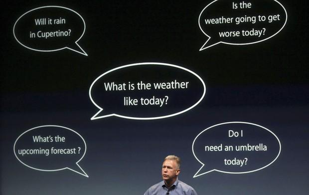 Schiller fala sobre o novo recurso de reconhecimento de voz do iPhone 4S (Foto: Robert Galbraith/Reuters)
