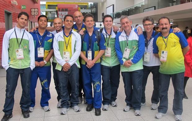Parte da delegação brasileira que compete em Londres no World Skills 2011 (Foto: Vanessa Fajardo/G1)