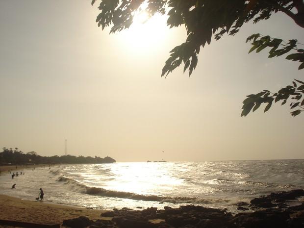 Pôr-do-Sol na praia do Marahú, ilha do Mosqueiro, Pará (Foto: Rebeca Sarges de Lemos/VC no G1)