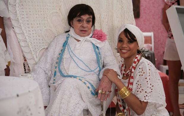 Chico Anysio interpreta Painho ao lado da atriz Aparecida Petrowky (Foto: TV Globo)