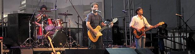 Baia se apresentou na última noite do Viradão Carioca no Arpoador (Foto: Bernardo Tabak / G1)