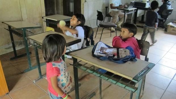 Escola Kaakupé na aldeia Kuriy em Biguaçu (SC) (Foto: Fernanda Nogueira/G1)