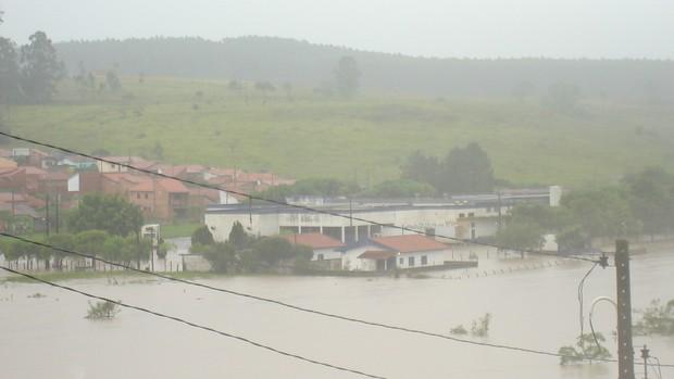 [Colaborativo](6041)Chuva recorde deixa Guareí em caos-4 (Foto: Percione Batista Vieira Soares / VC no G1)
