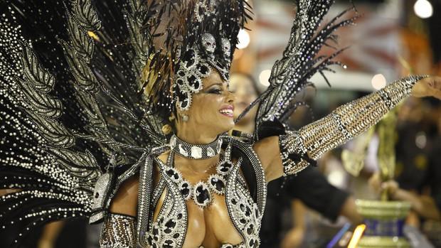 Veja imagens do desfile das campeãs do Rio de Janeiro (Rodrigo Gorosito/G1)