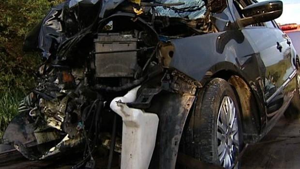 Acidente interditou os dois sentidos da rodovia em Guarapari (Foto: Reprodução/TV Gazeta)