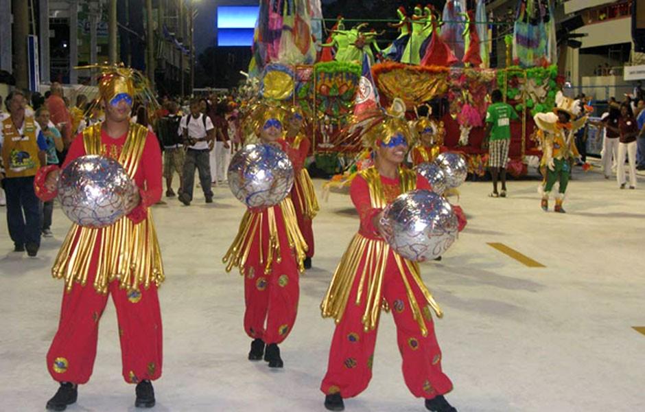 Escola mirim Pimpolhos da Grande Rio apresenta coreografia na Avenida (Foto: Rodrigo Vianna/G1)