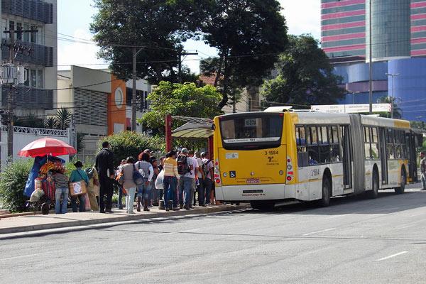 Ponto de ônibus em São Paulo