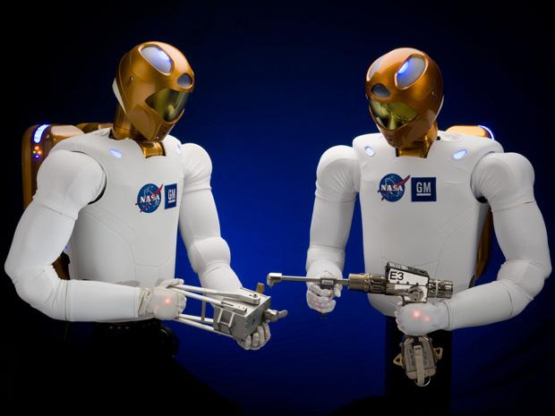 Último voo de ônibus espacial vai levar robô-tripulante para ISS