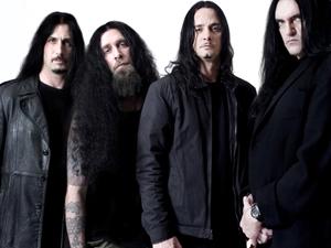 O grupo de metal gótico Type O Negative (Steele é o primeiro à direita)