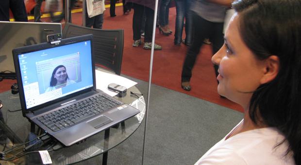HeadMouse detecta movimentos do rosto para controlar mouse na tela do computador