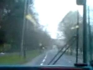 Motorista de ônibus na Inglaterra estrada