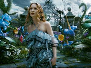 Mia Wasikowska não faz feio no papel de Alice
