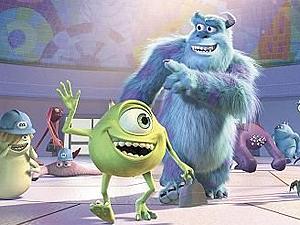 Os personagens Mike (à esquerda) e Sulley, em cena de 'Monstros S/A'. (Foto: Divulgação)