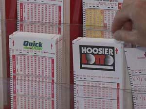 Americano diz que deixou de ganhar US$ 11,5 mi na loteria porque funcionária se recusou a fazer o jogo.