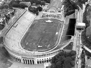 Estádio do Pacaembu completa 70 anos com jogos comemorativos Pacaembu-1968_300