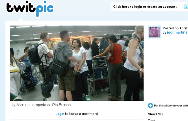 Foto de Lily Allen postada no Twitter por estudante, supostamente no aeroporto de Rio Branco.