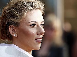 A atriz Scarlett Johansson na première de 'Homem de ferro 2'.