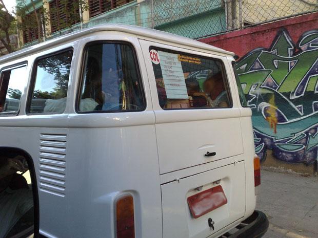 Estudantes da Escola Municipal Soares Pereira parecem não se incomodar com o transporte