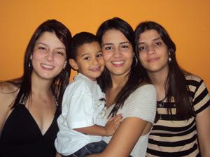 Antonio e irmãs