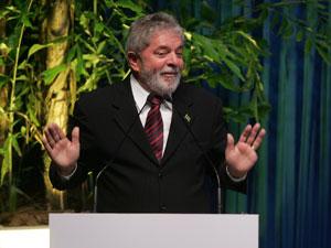 Lula discursa em evento da Anfavea, em São Paulo